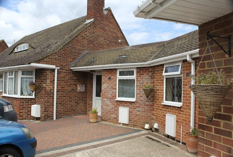 15 Manor Crescent, Byfleet