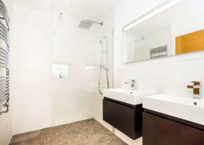 Walesbeech-Bathroom